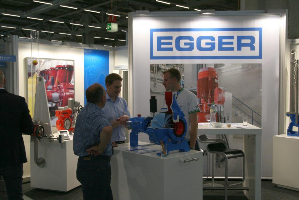 Egger-Messestand Suisse Public