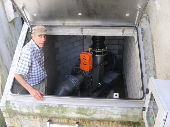 Energie aus dem Dorfbach mit Egger-Pumpe als Turbine